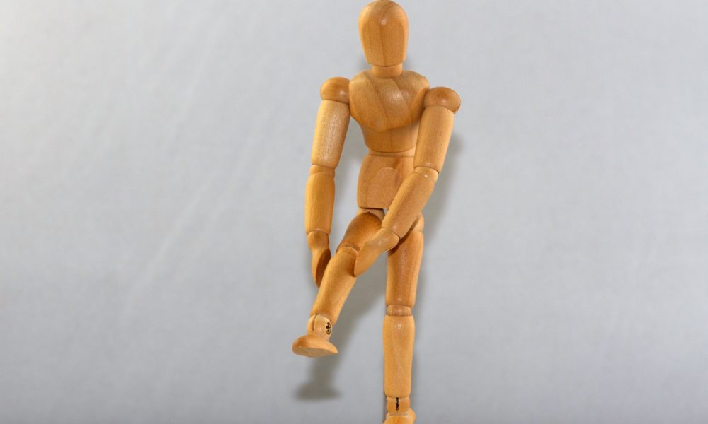 Doskonały lekarz pomoże wyleczyć kolano.